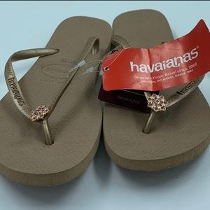 New Rose Gold Crystal Havaiana's Flip Flops sz 11